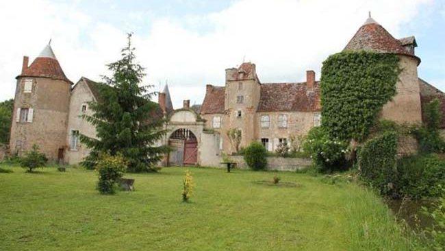 Name:  911990-chateau.jpg Views: 319 Size:  47.4 KB