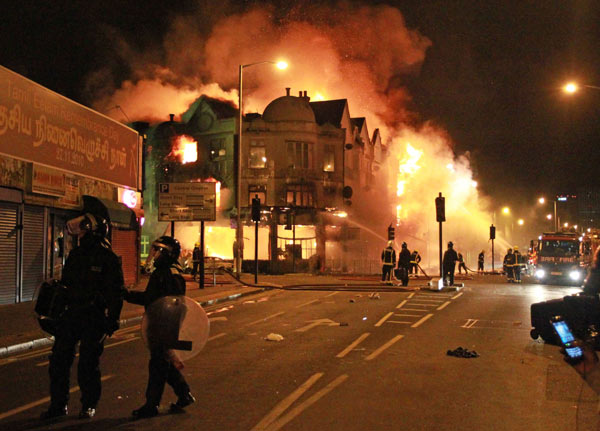 Name:  london-riots-fire.jpg